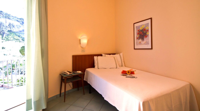 French bed superior hotel serapo for Superior hotel